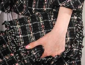 Стильный нейл-арт с показа Шанель от кутюр 2012. Пошаговая инструкция