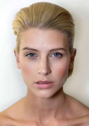 Тенденция макияжа 2012 – коралловый макияж губ. Пошаговая инструкция