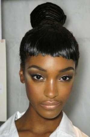 Как с помощью макияжа сделать темную кожу сияющей