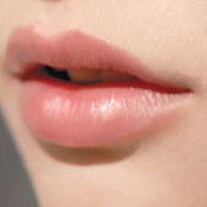 Уход за губами в домашних условиях