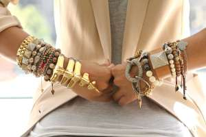 Как носить браслеты?