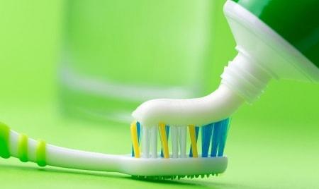 Полезные свойства зубной пасты